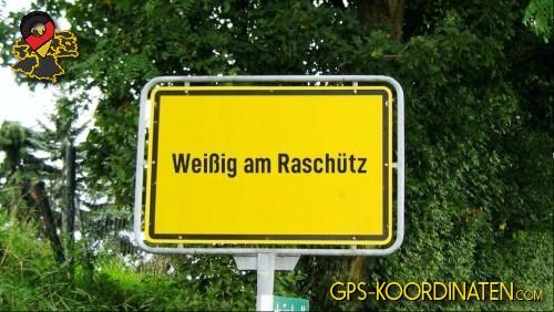 Ortseingangsschilder von Weißig am Raschütz {von GPS-Koordinaten|mit GPS-Koordinaten.com|und Breiten- und Längengrad