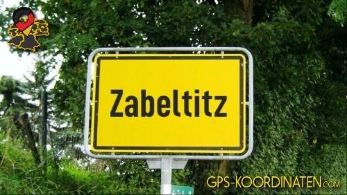Einfahrtsschild Zabeltitz {von GPS-Koordinaten|mit GPS-Koordinaten.com|und Breiten- und Längengrad