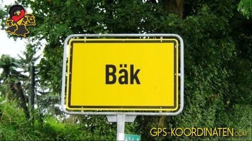 Ortseingangsschilder von Bäk {von GPS-Koordinaten mit GPS-Koordinaten.com und Breiten- und Längengrad