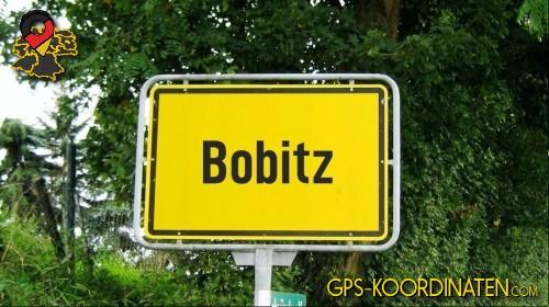 Einfahrtsschild Bobitz {von GPS-Koordinaten|mit GPS-Koordinaten.com|und Breiten- und Längengrad