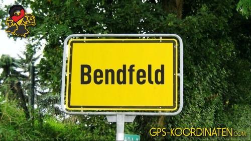 Einfahrtsschild Bendfeld {von GPS-Koordinaten|mit GPS-Koordinaten.com|und Breiten- und Längengrad