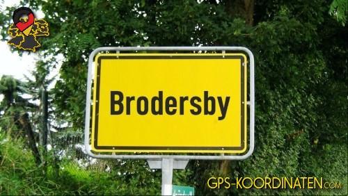 Ortseingangsschilder von Brodersby {von GPS-Koordinaten|mit GPS-Koordinaten.com|und Breiten- und Längengrad