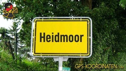 Einfahrtsschild Heidmoor {von GPS-Koordinaten|mit GPS-Koordinaten.com|und Breiten- und Längengrad